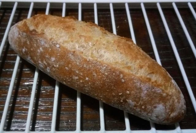 自家製レーズン酵母の全粒粉パン