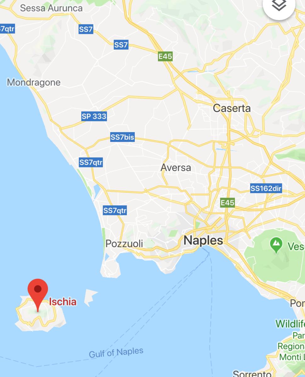 イタリアの離島であるイスキア島の位置