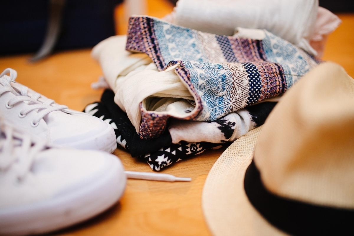 靴とバッグと洋服