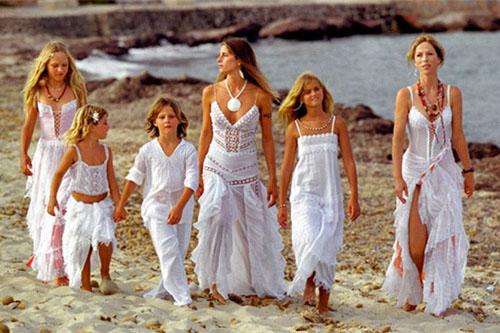 イビサファッション白いドレス