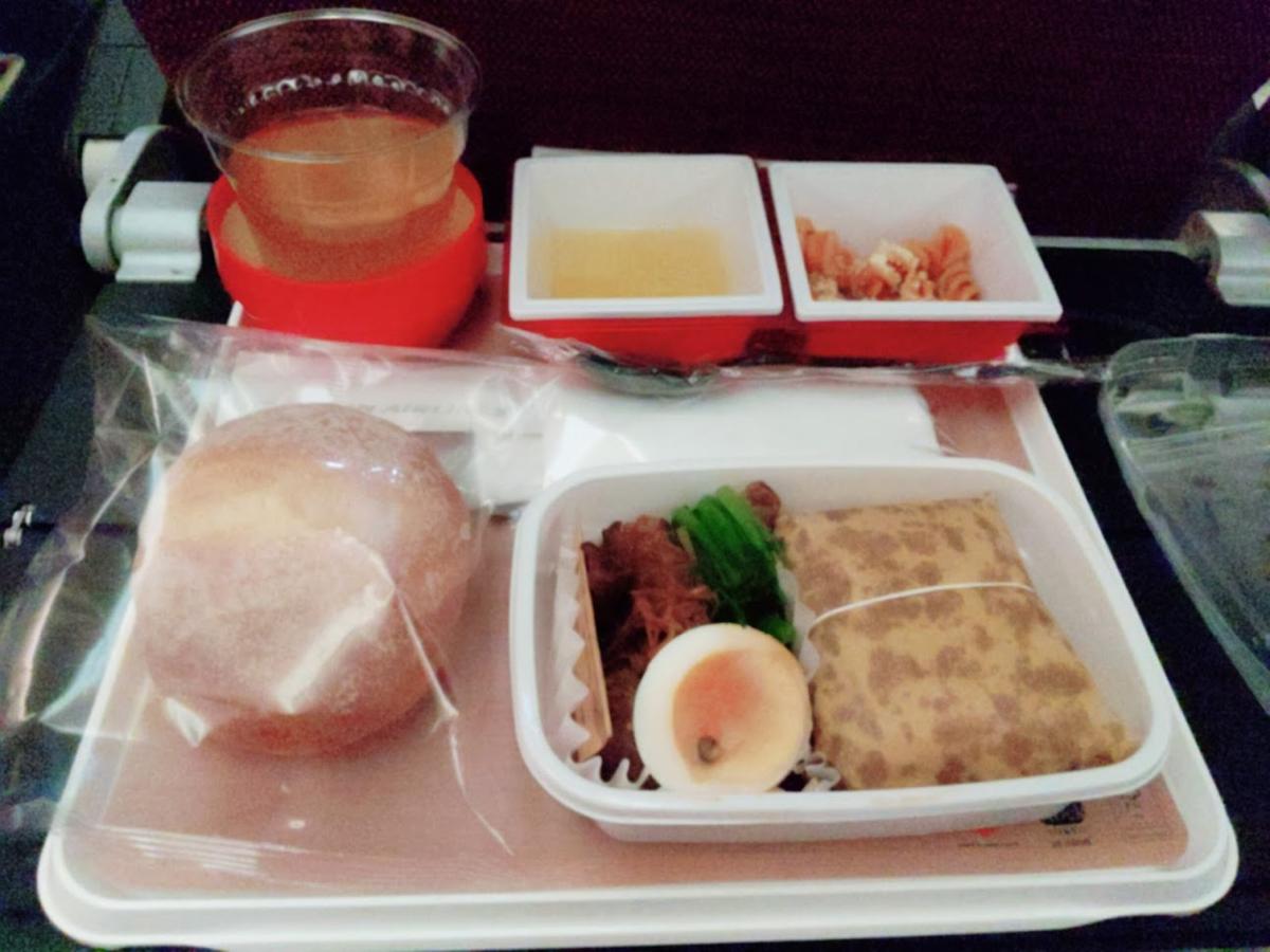 コロナ飛行機機内食のイメージn