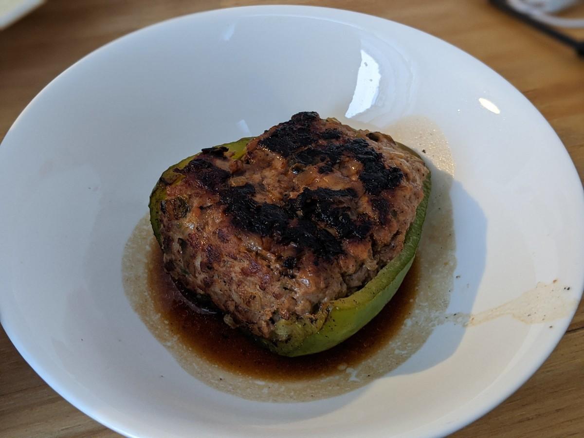 イギリスピーマンの肉詰めのイメージ
