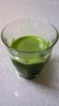 青汁を飲んでいます。