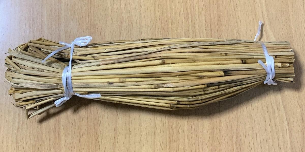 だるま食品「わら納豆」の藁苞の画像