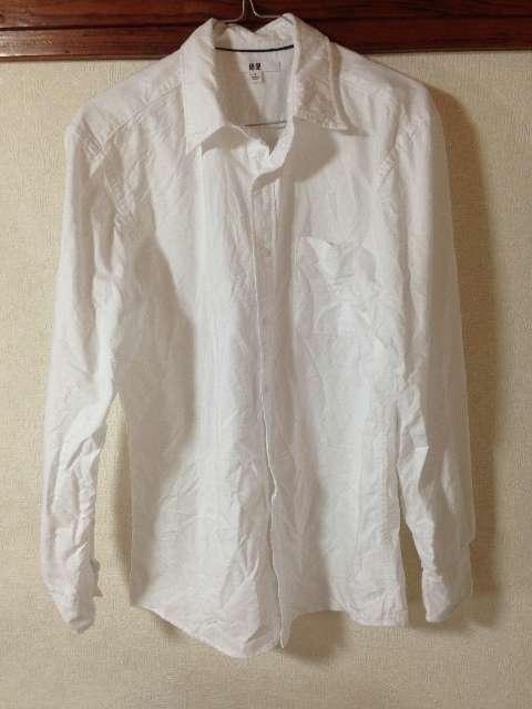 ユニクロのボタンダウンオックスフォード白シャツ