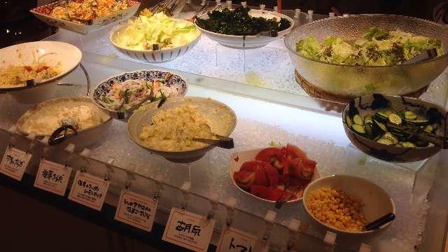 串揚げ食べ放題串家物語のサラダ類