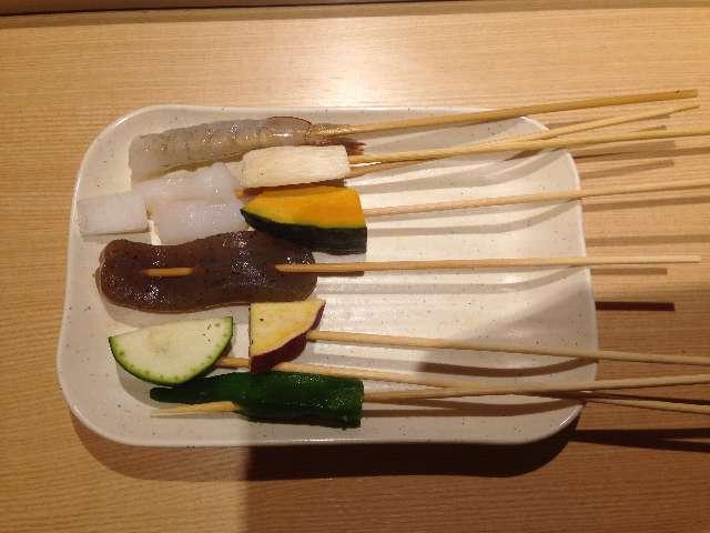 串揚げ食べ放題串家物語の野菜と海老