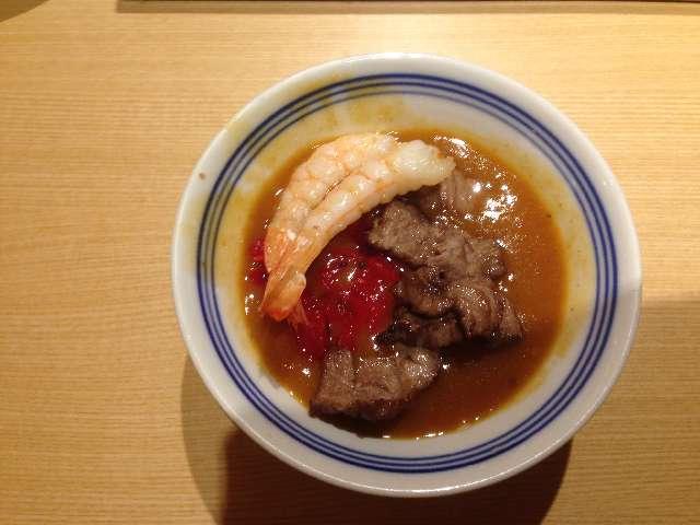 串揚げ食べ放題串家物語のカレーに牛肉と海老をトッピング