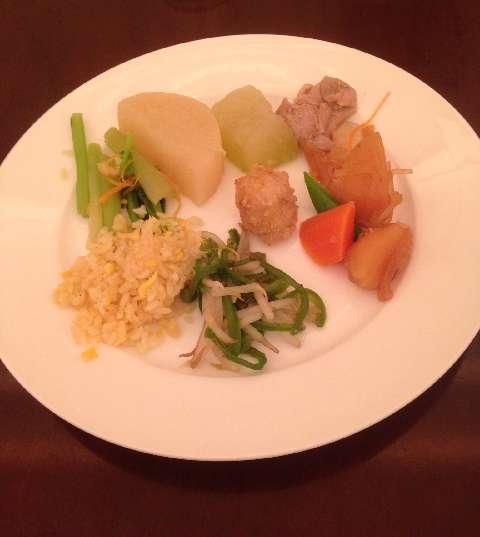 柿安三尺三寸箸の食べ放題の和食