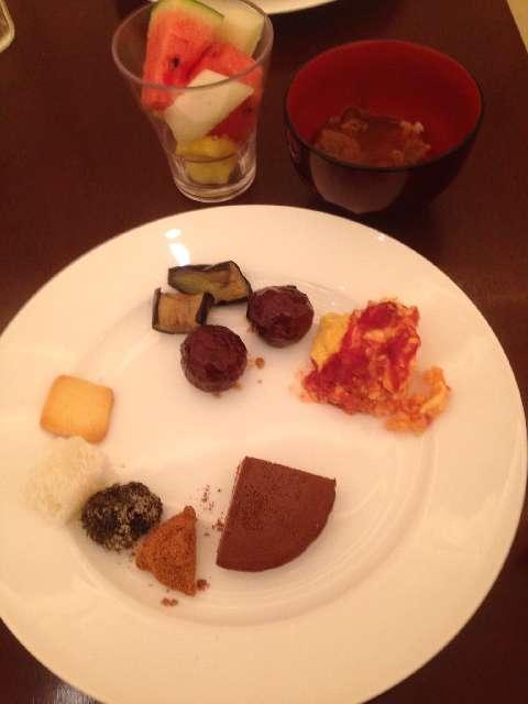 柿安三尺三寸箸の食べ放題の和菓子とクッキー