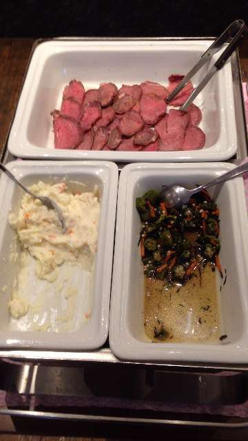 平日ランチ食べ放題の店タンティートのローストビーフと前菜