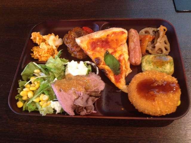台東区にあるホテルビュッフェとれび庵のランチバイキングの料理