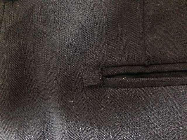スーツのズボンの修理