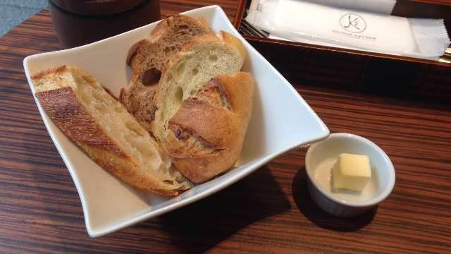 メゾンカイザーのパン食べ放題
