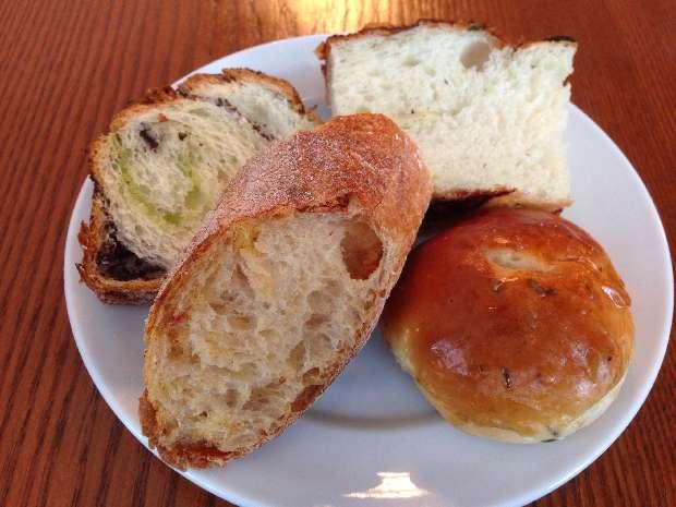 colors (カラーズ)のパン食べ放題ランチ