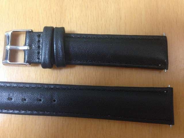 腕時計のベルトを交換