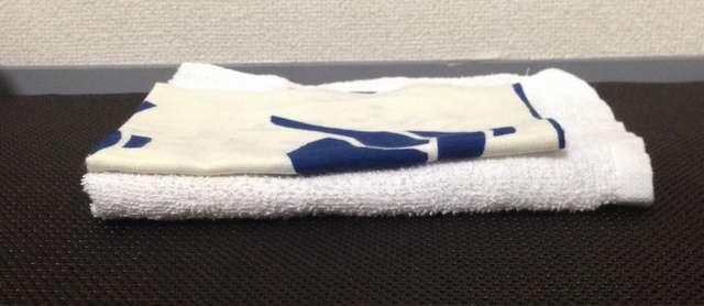 手ぬぐいとタオルのコンパクトさを比較する