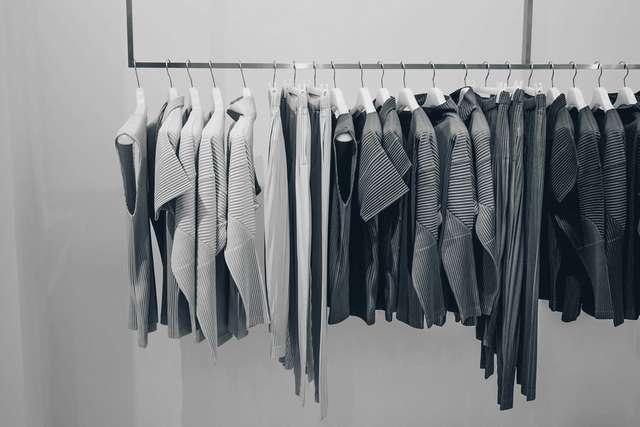 売れ残った洋服はどうなるのか? 実は日本は衣服廃棄率の高い国