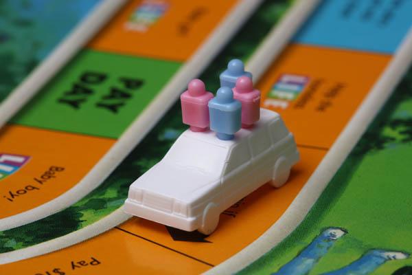 人生ゲームは大人がやると複雑な気持ちになる理由