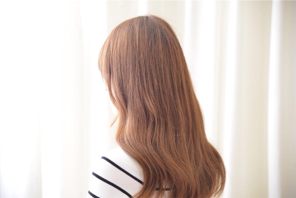 韓国人風ゆる巻きM字前髪スタイル