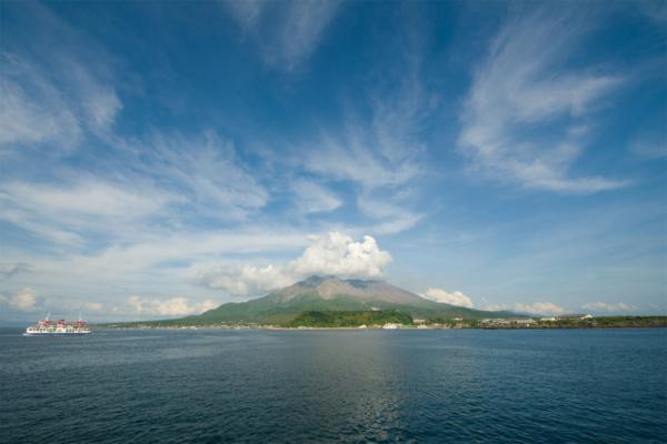 鹿児島湾と桜島