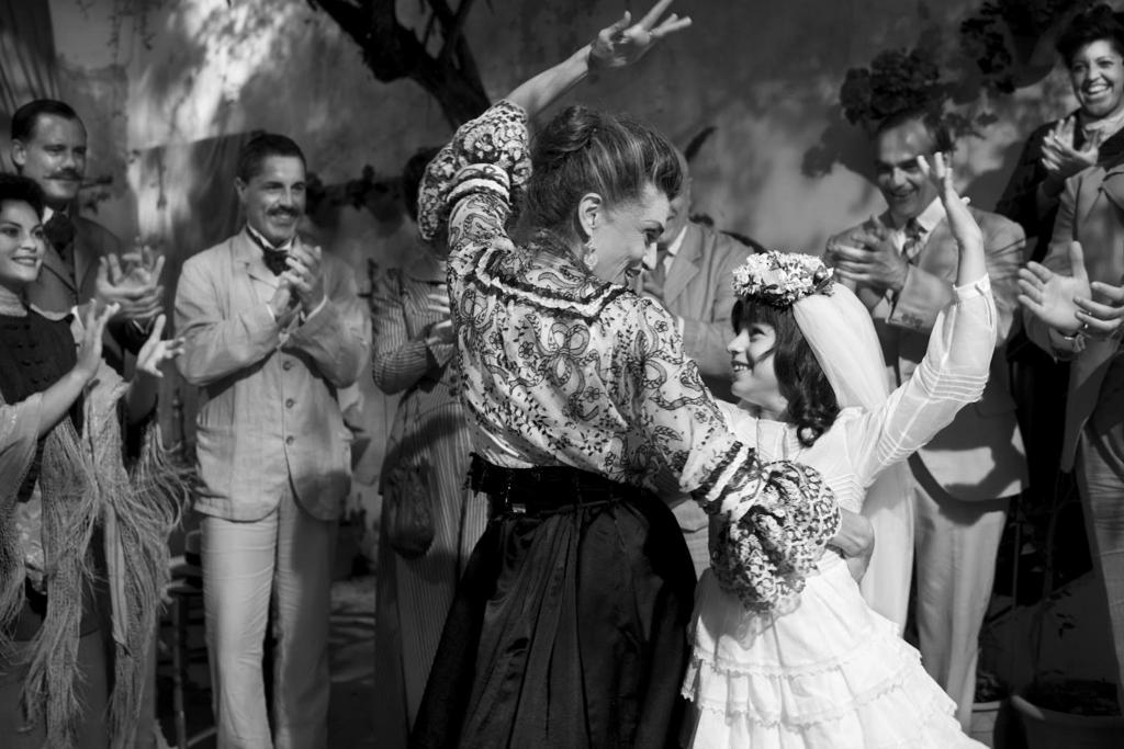 映画「ブランカニエベス」映画より、祖母と踊るカルメンシータ/フラメンコシーン