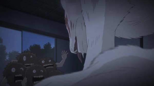 アニメ「夏目友人帳伍」六話より、ニャンコ先生に驚く毛むくじゃらの妖怪