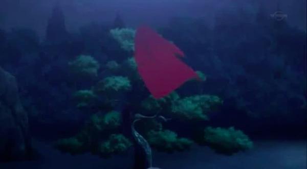 アニメ「夏目友人帳 伍」第八話より、木の上に引っかかった着物