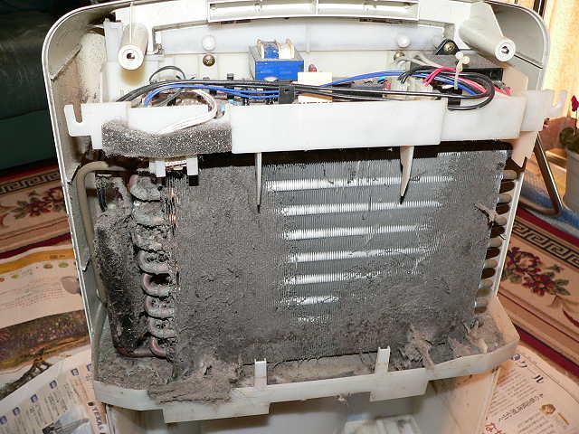 6年ぶりの除湿機メンテナンス -その1- - Tomのブログ