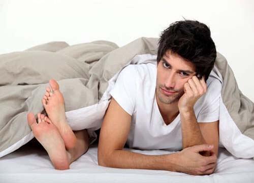 Triệu chứng mụn rộp sinh dục ở nam giới
