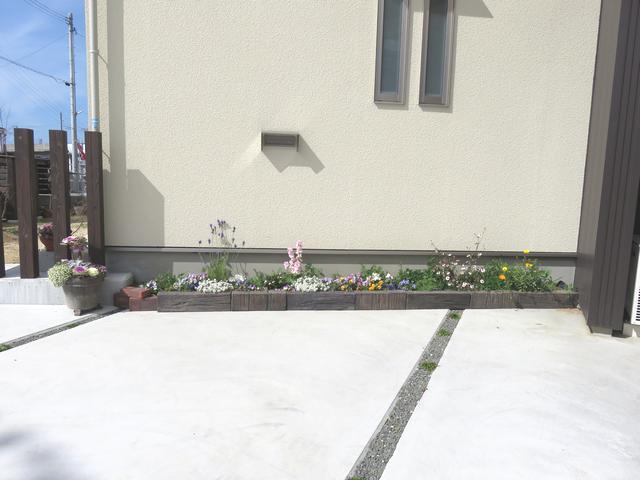 細長い花壇