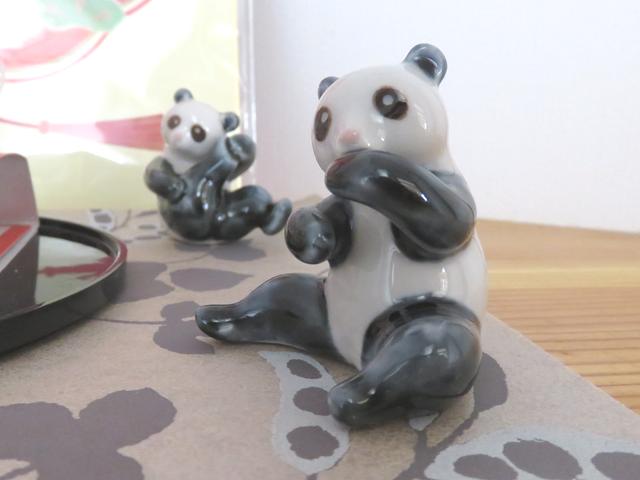 陶器のパンダのアップ