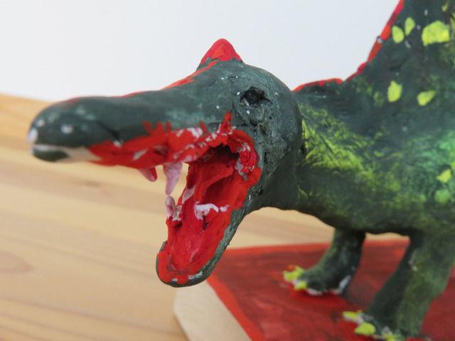 恐竜の顔のアップ