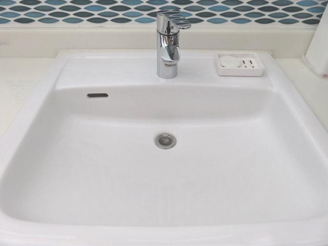 三栄水栓の洗面器ゴミ受 PH3920を設置した画像