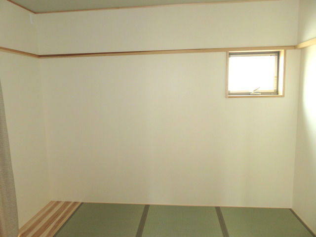 月桃紙を貼った寝室の画像