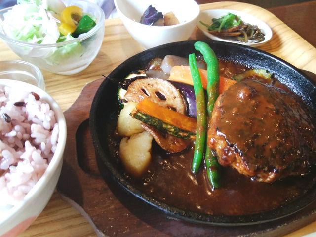 琴平 洋食屋ニューグリーンのハンバーグ定食