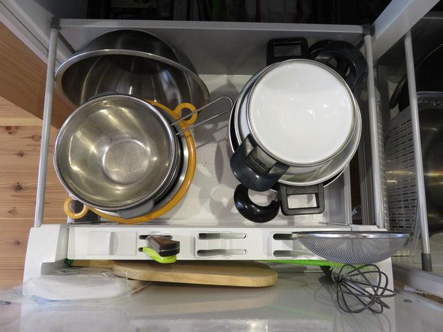システムキッチンの引出しの収納アフター
