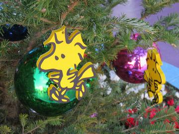 ウッドストックが飾られたツリー