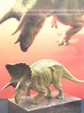 トリケラトプスのフィギュア