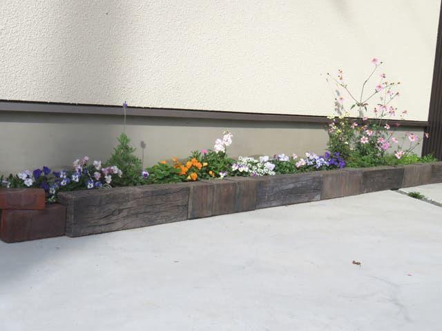 2016年12月の駐車場花壇