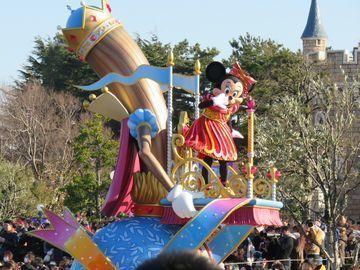 ディズニーのパレード ミニーの台車
