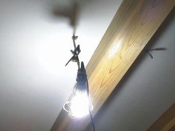 天井に張られたクロス