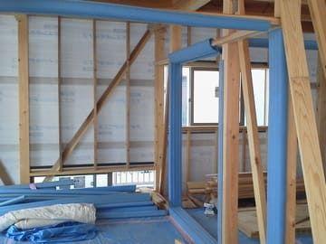 新築工事現場の室内