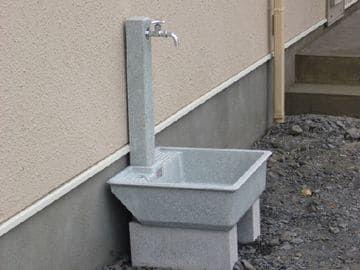 プラスチック製立水栓