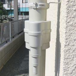 雨樋に取り付けた集水器