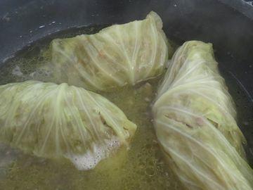 鍋のロールキャベツ