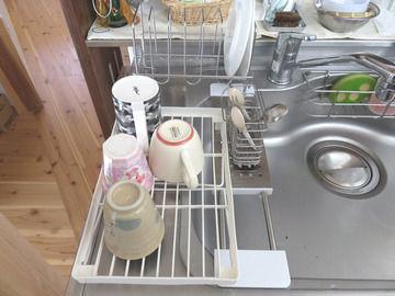 100均の折り畳み棚を水切りに使った例