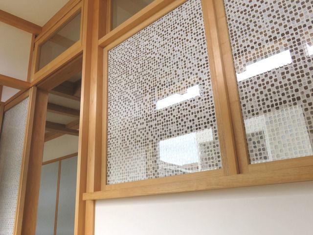 りくうの和紙を使った建具