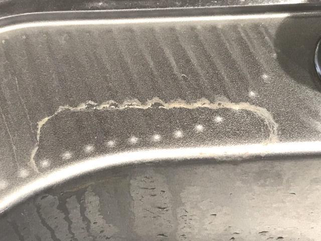 固まった水垢汚れの画像