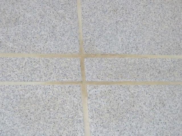 タカラ ユニットバス ミーナのお風呂の床の汚れ